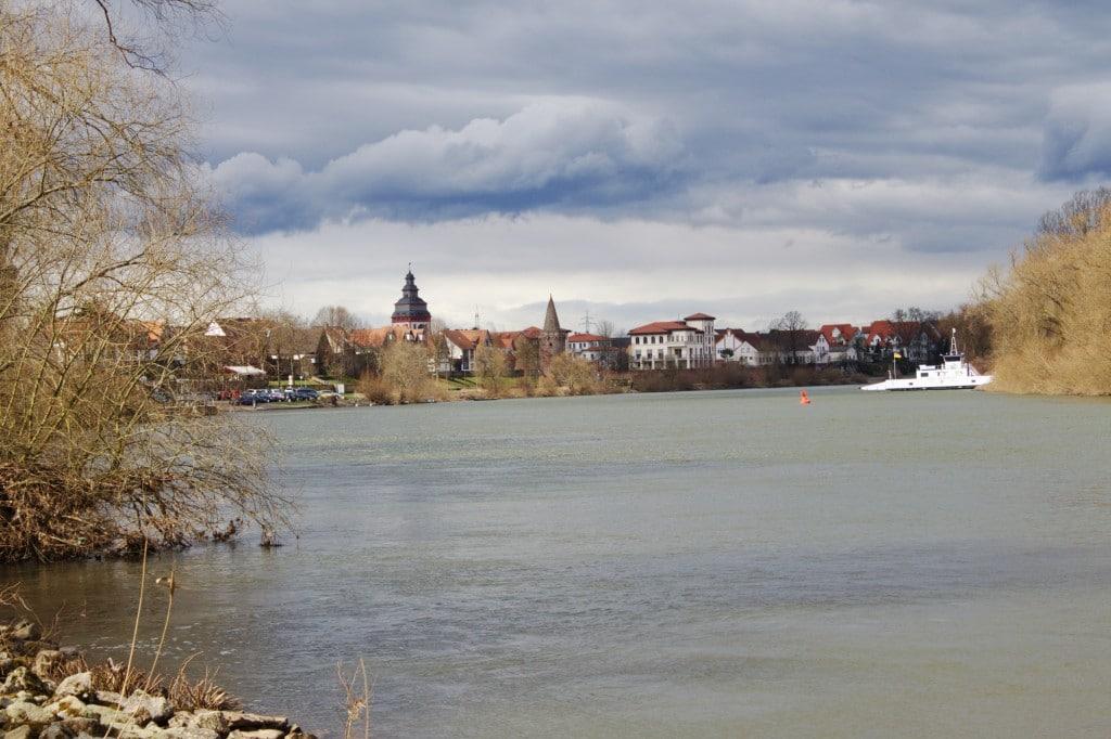 Seligenstadt - Blick über den Main